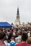 Częstochowski, Polska, Lipiec - 28, 2016: Pielgrzymi czeka ar Zdjęcie Royalty Free