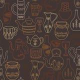 Czajników, filiżanek i dzbanków bezszwowy wzór, Pociągany ręcznie przedmioty starzy gospodarstw domowych naczynia na białym tle W ilustracja wektor