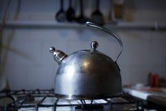 czajnik na kuchence Obrazy Stock