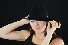 czapeczki zachwyta dziewczyny chwyt fotografia royalty free