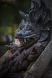 czarcia postać, brązowa rzeźba z demonic gargulecami i monste, Zdjęcie Royalty Free