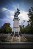 czarcia postać, brązowa rzeźba z demonic gargulecami i monste, Obrazy Royalty Free