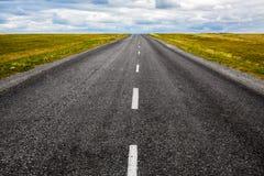 Czarna asfaltowa droga Zdjęcia Stock