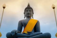 Czarna Buddha statuy postawa medytacja Obraz Stock