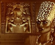 Czarna Egipska bogini królowa Lamparta druku korona Fotografia Royalty Free