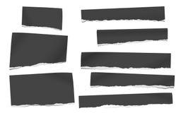 Czarna notatka, notatnika papieru kawałki z poszarpanymi krawędziami wtykał na białym backgroud również zwrócić corel ilustracji  ilustracji