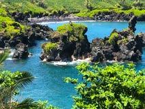 Czarna piasek plaża blisko Paia, Maui Obrazy Stock