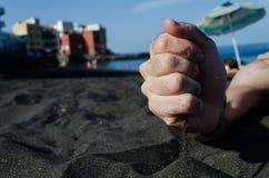 Czarna piasek plaża w wyspach kanaryjskich, Hiszpania obraz royalty free