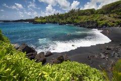 Czarna piasek plaża, Waianapanapa stanu park Maui, Hawaje Zdjęcia Stock