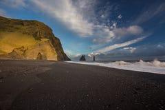 Czarna plaża, Iceland, Vik, wybrzeże Fotografia Stock