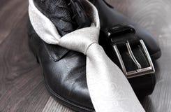 Czarna rzemiennego buta patka i krawat obraz royalty free