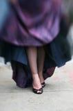 czarna sukienka na bal pięty Obraz Stock