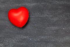 czarna tła czerwony serca valentine Zdjęcia Royalty Free