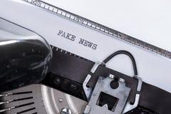 Czarna tekst imitaci wiadomość pisać na starym maszyna do pisania fotografia royalty free