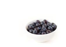 czarne jagody rzucać kulą biel Zdjęcia Stock