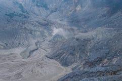 Czarne rockowe formacje wśrodku wulkan kaldery Fotografia Royalty Free