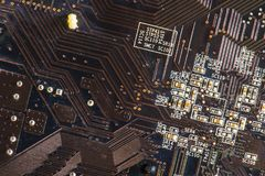 Czarnego narzędzia elektronicznego obwodu abstrakcjonistyczny deskowy komputer Obraz Stock