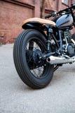Czarnego rocznika motocyklu kawiarni obyczajowy setkarz Obraz Royalty Free