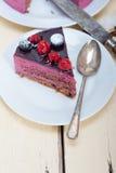 Czarnej jagody i malinki mousse tortowy deser Obraz Royalty Free
