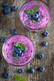 Czarnej jagody smoothie z chia ziarnami Obrazy Royalty Free