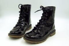 Czarnej laki kobiet militarni buty fotografia royalty free