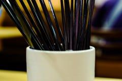 Czarni chopsticks w słoju Fotografia Stock