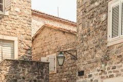 Czarnogóra budva starego miasta Pierwszy wzmianka ten miasto - więcej niż 26 wieków temu Widziimy antycznych domy Fotografia Royalty Free