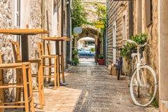 Czarnogóra budva starego miasta Pierwszy wzmianka ten miasto - więcej niż 26 wieków temu Widziimy antycznych domy, bardzo wąski s Obrazy Royalty Free