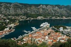 Czarnogóra kotor Zatoka Kotor zatoka jest pięknym miejscem na Adriatyckim morzu Fotografia Royalty Free