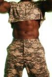 czarny abdomin silny wojskowy Fotografia Royalty Free