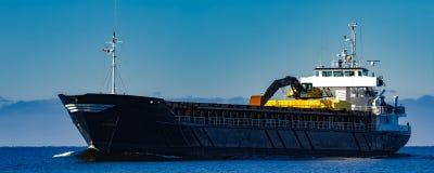 Czarny ładunku statek Fotografia Royalty Free
