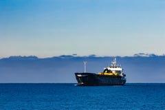 Czarny ładunku statek Zdjęcie Royalty Free