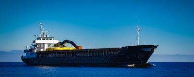 Czarny ładunku statek Obrazy Royalty Free