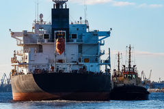 Czarny ładunku statek Obrazy Stock