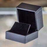 Czarny aksamitny biżuterii pudełko Obraz Stock