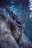 Czarny anioł w lesie Zdjęcie Royalty Free
