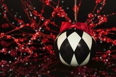 Czarny Biały Arlekiński boże narodzenie ornament Zdjęcia Royalty Free