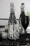 czarny butelki wyłączność na wywiad szkła Fotografia Stock