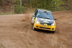 czarny c ditaliy przejażdżek Renault sochov kolor żółty Zdjęcie Royalty Free