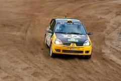 czarny c ditaliy przejażdżek Renault sochov kolor żółty Obrazy Stock