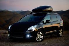 Czarny colour Peugeot 5008 outdoors obraz stock