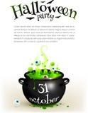 Czarny czarownica kocioł z zielonym parzeniem, strona Obrazy Stock