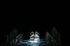 czarny deskowego czeka koniec gry biznesowego głównej atrakci kumpla strat metafory szachy monochrom nad sukcesem strategii bierz Obraz Royalty Free