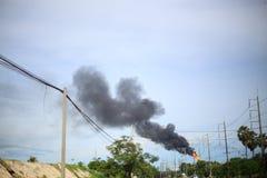 Czarny dym od smokestack fabryk Obraz Royalty Free