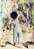 Czarny dzieciak cieszy się jego obraz zdjęcia royalty free
