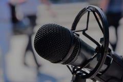 Czarny fachowy mikrofonu zakończenie up Zdjęcia Royalty Free