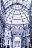 Czarny i biały obrazek z wewnątrz galerii fotografia stock