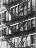 Czarny I Biały Amerykańskie pożarnicze ucieczki na starym budynku przy Chicago Ześrodkowywają Fotografia Stock