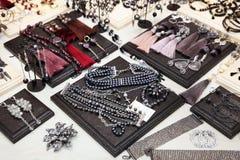 Czarny i biały biżuterii perły Fotografia Royalty Free