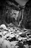 Czarny i biały fotografia Yosemite siklawy w zimie, Yosemite obrazy royalty free